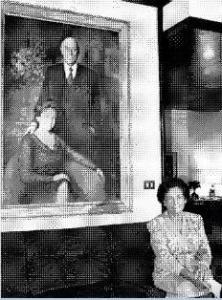 Rosa Bossi Berlusconi  accanto al quadre che la ritrae con il marito Luigi, durante la mia intervista