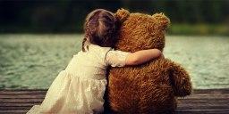 L'abbraccio delinea